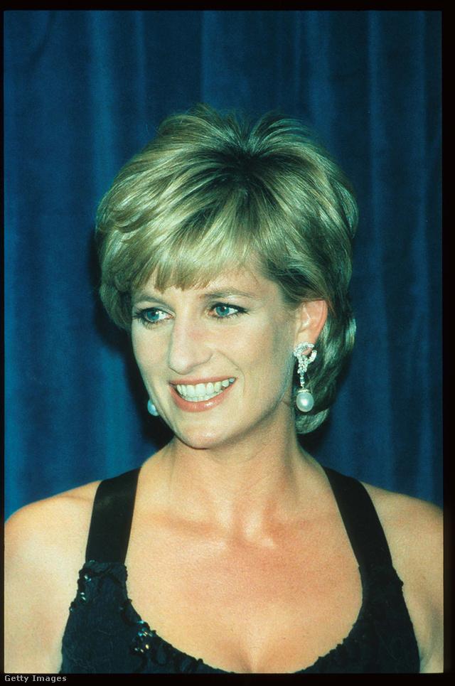 Diana hercegnő is szerette a csepp formájú gyöngyöket.