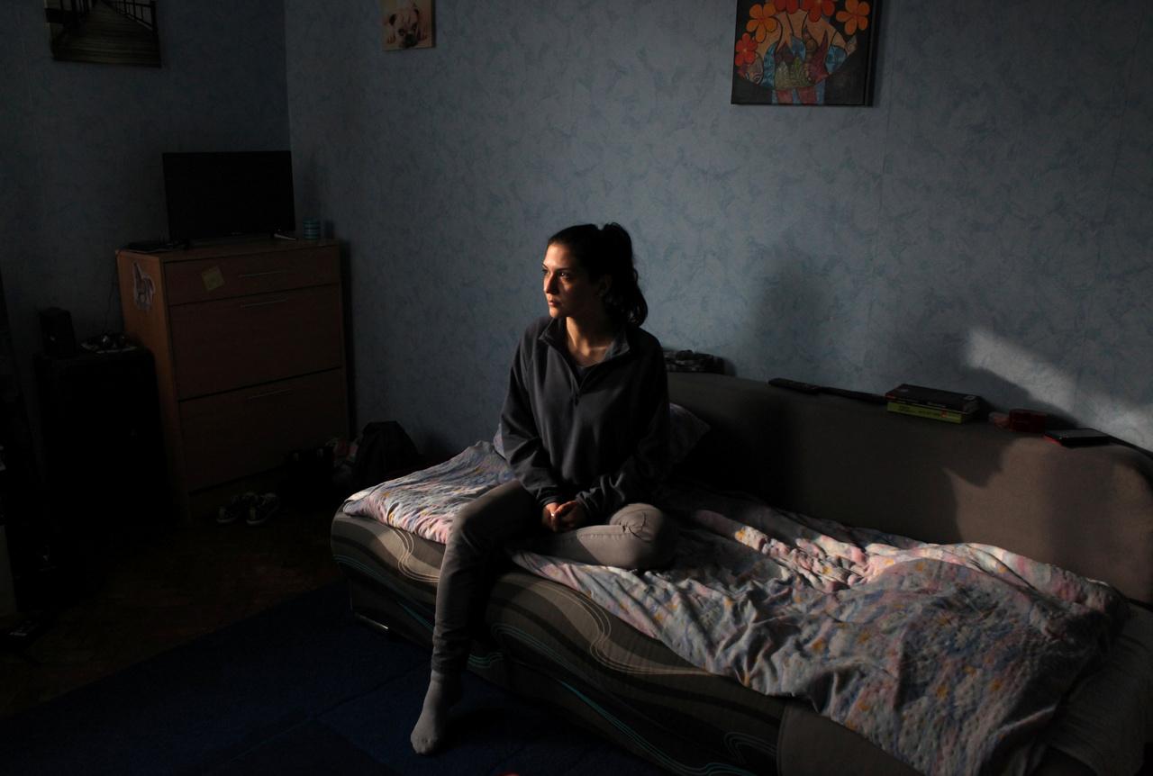 """""""Nem hinném, hogy bármelyik kollégám maradni szeretne Romániában. Azt gondolom, hogy többet tanulhatok külföldön. Rezidensként ott a felelősség is nagyobb"""" - mondja a 25 éves Sonia Papiu, frissen végzett pszichiáter, aki reményei szerint jövőre ilyenkor már egy németországi kórházban fog dolgozni."""