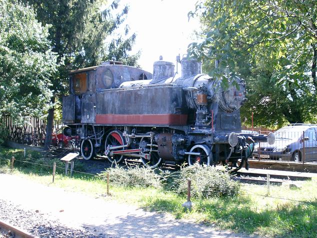 A MÁV 275.120-as mozdonya a tiszafüredi állomáson