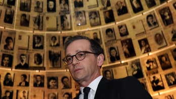 Németország 50 milliós bírságot szabna ki a Facebookra a náci kommentek miatt