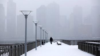 Gigantikus hóvihar söpört végig Amerika északkeleti részén