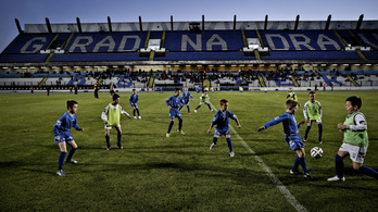 A Strabag beleöntött egy csomó pénzt Mészáros Lőrinc focicsapatába