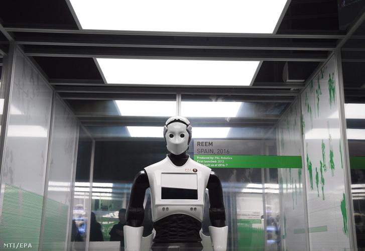 Már emlékeznek és tanulnak a robotok