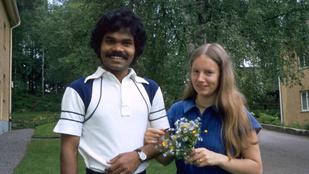 Indiából ment felesége után Svédországba. Biciklivel