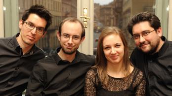Fiatal muzsikusok a pécsi Kortárs Zenei Napokon