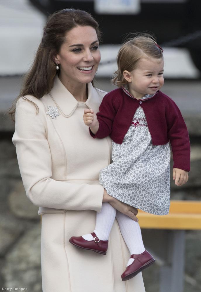 Katalin hercegné egyébként majdnem egy évvel ezelőtt bevallotta, hogy lánya ugyan iszonyú aranyos, mégis előfordul olykor, hogy egyik pillanatról a másikra kitör belőle a harcias énje