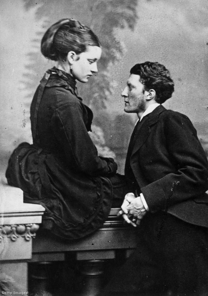Így nézett ki egy brit pár 1860-ban udvarlás közben