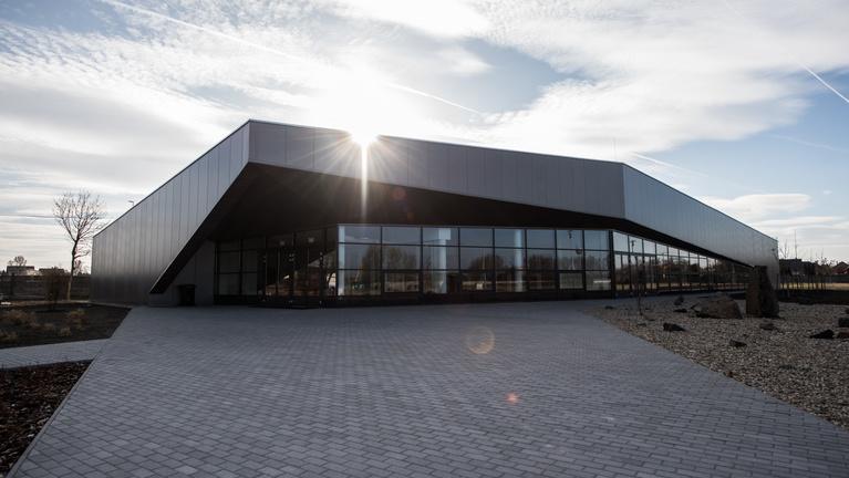 Igénytelen dzsúdóközpontot építettek, a sportolók nem mennek be