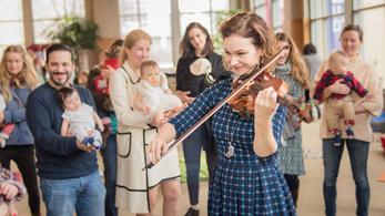 Hilary Hahn kisbabáknak koncertezik
