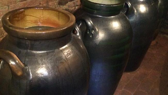 Amfórában érlelt borokat is kóstolhat a hétvégi VinCE borfesztiválon