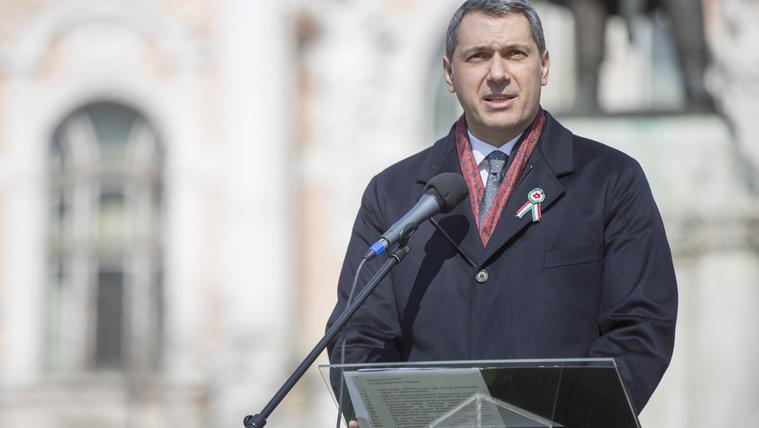 Lázár szerint aki MSZMP tag volt, az '89-ig a magyarok szabadsága ellen esküdött