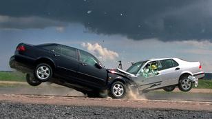 A betonfal legendája vs. Saab