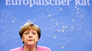 Kívánjuk, hogy soha senki ne nézzen ránk úgy, mint Angela Merkel Ivanka Trumpra