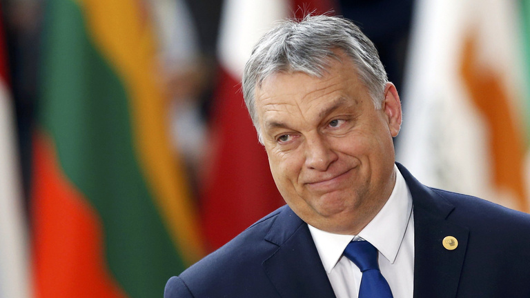 Amerikai és európai jobboldaliak kérik Orbánt, hagyja békén a civileket