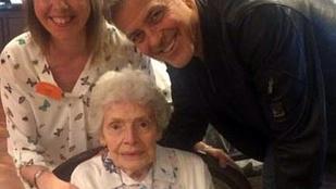 George Clooney beugrott egy idősek otthonába, hogy boldog születésnapot kívánjon egy 87 éves néninek