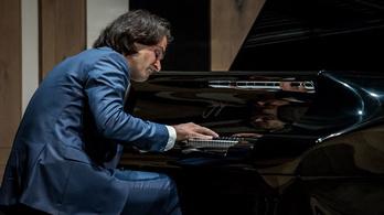 Még Moszkvába is jut Bogányi-zongora