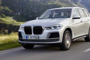Negyven újdonságot ígér a BMW