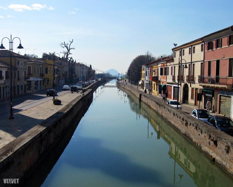 Padova után irányVerona!A tájékozódással kapcsolatban érdemes megjegyezni, hogy GPS, offline térkép és papír alapú térkép együttesen szükséges ahhoz, hogy megtaláljuk a megfelelő utakat Olaszországban.