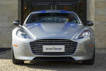 Villanyautó váltja a négyajtós Aston Martint