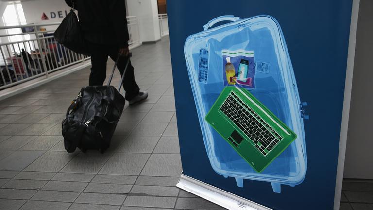 Iszlámellenes vagy utasvédő a laptoptilalom?