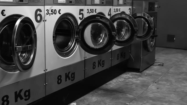 Négy magyar céghez is került mosott orosz pénz