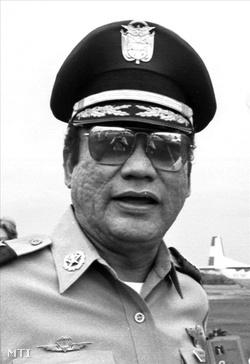 1985-ös kép Manuel Antonio Noriega panamai tábornok-elnökről