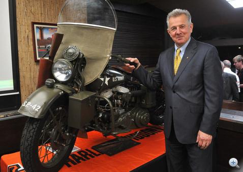 Schmitt Pál  mostantól kevesebbet motorozik majd (fotó: MTI)