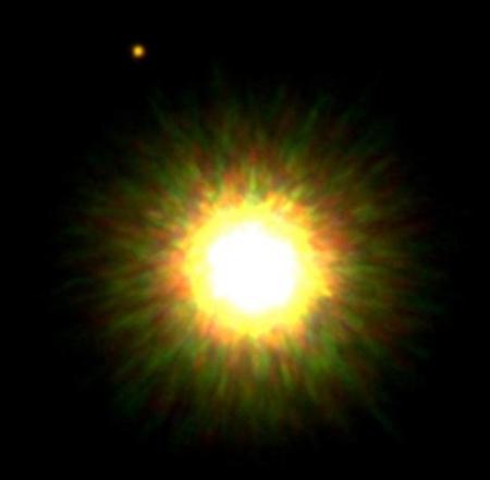 Az 1RXS J160929.1-210524 jelű fiatal csillagról 2008 szeptemberében az északi Gemini teleszkóppal készült felvétel. A kép bal felső sarkában látható égitest a csillag - két évvel ezelőtt még csak vélelmezett - bolygókísérője. [Gemini Observatory]