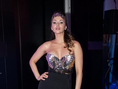 Aleska Diamond akkora dekoltázzsal bulizott, hogy őt is meglepte