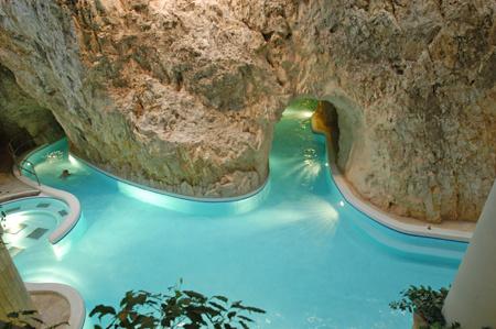 Barlangfürdő - Miskolctapolca (fotó: termalfurdo.net)