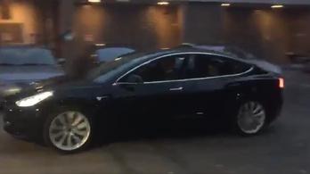Elon Musk megmutatta az új Teslát