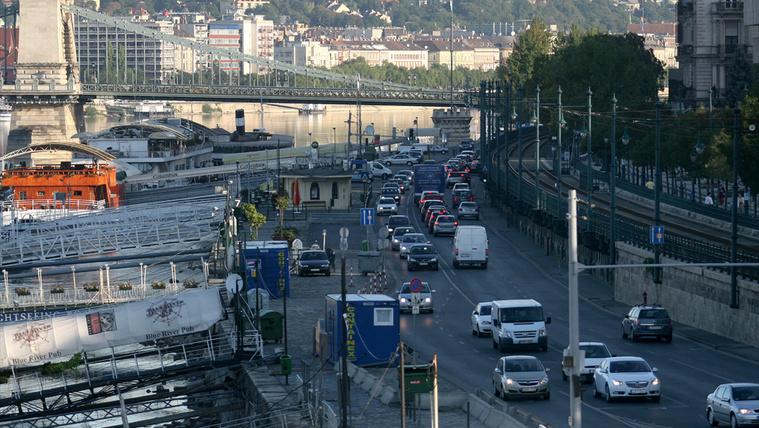 Megbüntették szabálytalan kanyarodásért Budapesten? Ne fizesse be a bírságot!