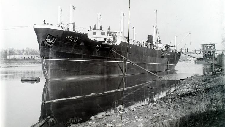 Ontották a magyar gyárak a hajókat, csak nem nekünk