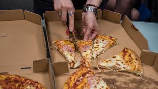 Pizzateszt: a legismertebb pizzázóktól rendeltünk