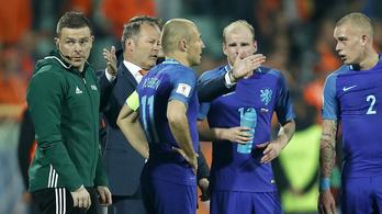 Holland futballválság: kirúgták a szövetségi kapitányt