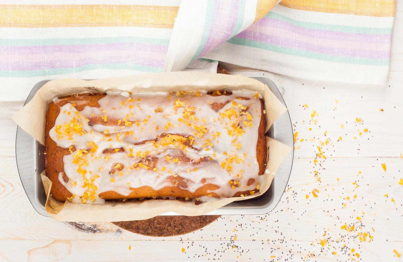 Citromos-mákos kevert süti csodás mázzal a tetején