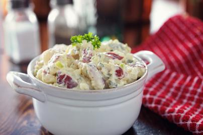 Majonézes, hagymás krumplisaláta - Legközelebb is így fogod készíteni