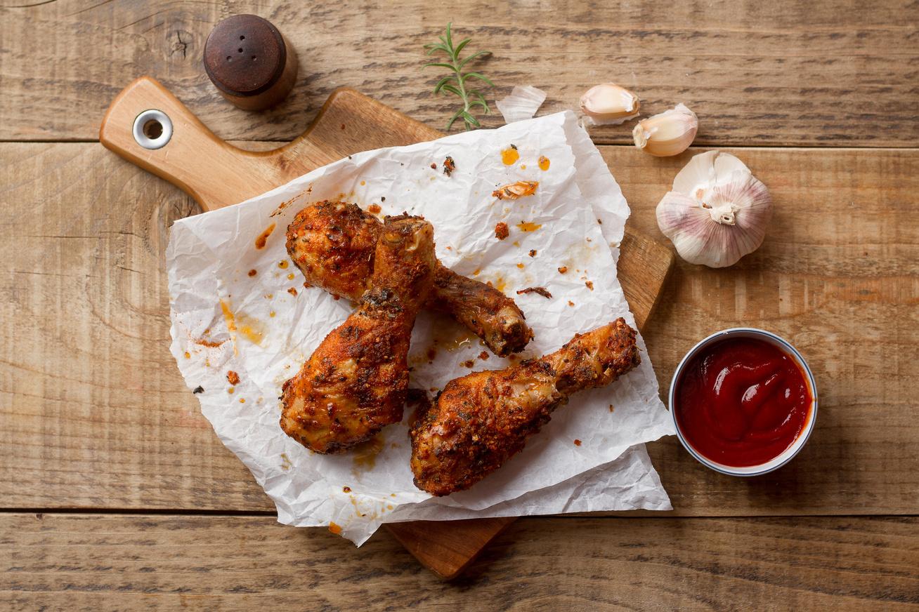 Papírban sült csirkecombok - Így nagyon szaftos lesz