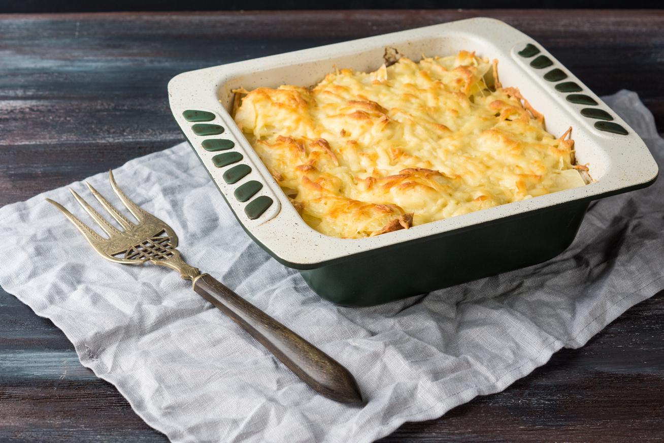 Duplasajtos csirkés rakott krumpli