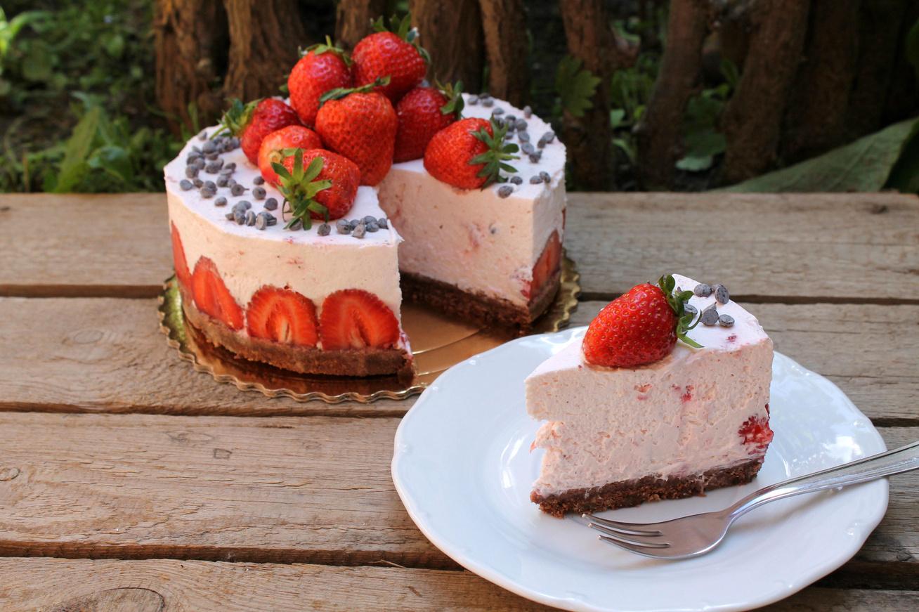 30 perces joghurtos epertorta sütés nélkül