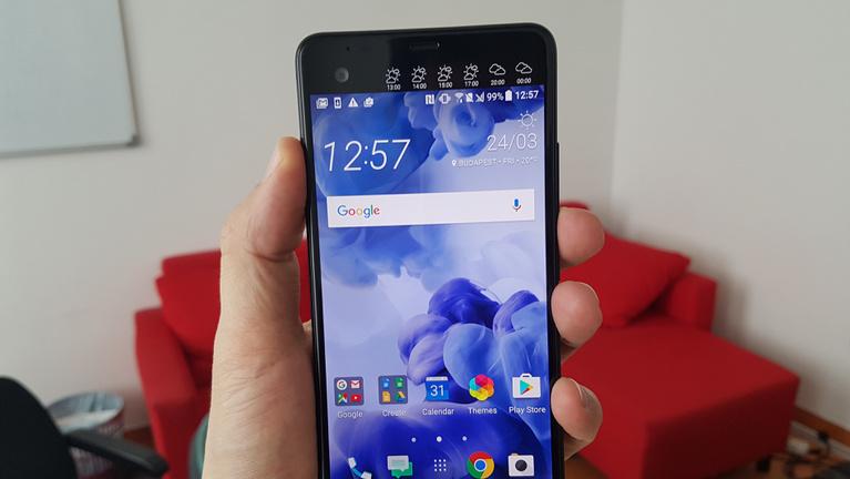 Túltolta a HTC az extrákat