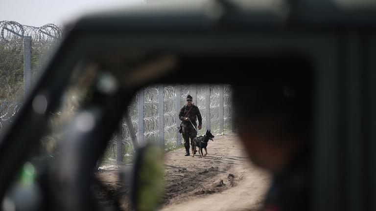 Nem köt bele rögtön az EU a határzárunkba