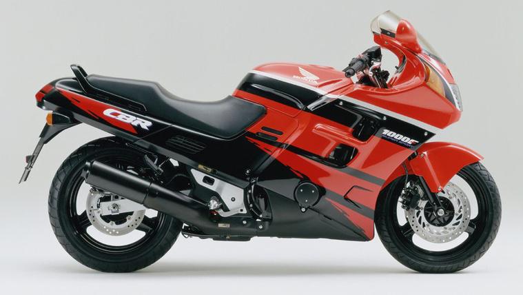 Honda CBR1000F - SC24