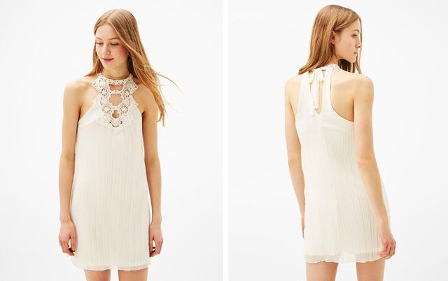 Egy egész hasonló ruha, melyet főként bohém, fiatal menyasszonyoknak ajánlunk: a Bershka 8995 forintos ruhája.