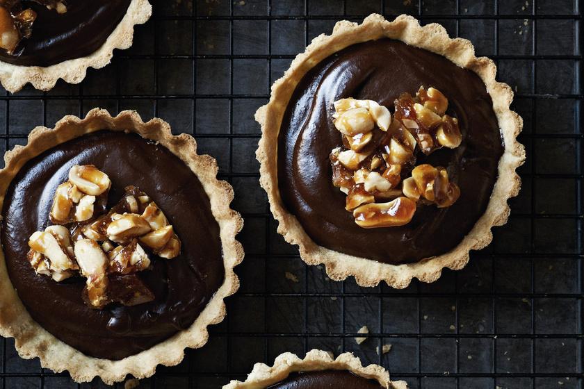 Gordon Ramsay-süti karácsonyra: mini csokis kekszek földimogyorós grillázzsal