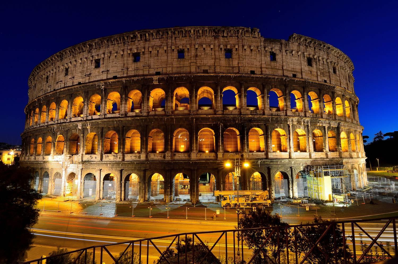 Éjszaka is körülnézhet a Colosseumban