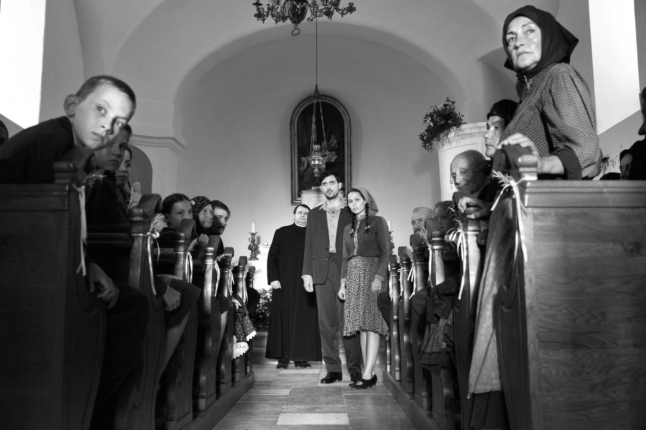 A templom végében középen Szabó Kimmel Tamás.