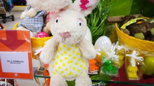 A húsvéti dekorációk tervezőinél tényleg elgurult a gyógyszer