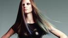 Nyári őrület: terjed a színes haj és szemöldök