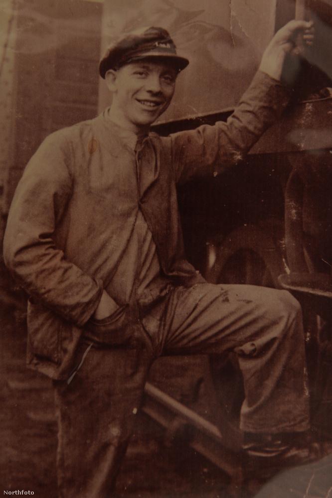 Ő a férj, George Loftus, itt még csak 20 éves, kb